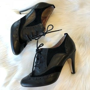 NWOB Seychelles Leather Oxford Lace-up Pumps Black
